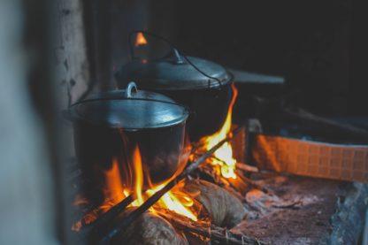 lägereld, eld, mat, energi, sjö, gemenskap, pinnbröd och linolja, kvällsljus